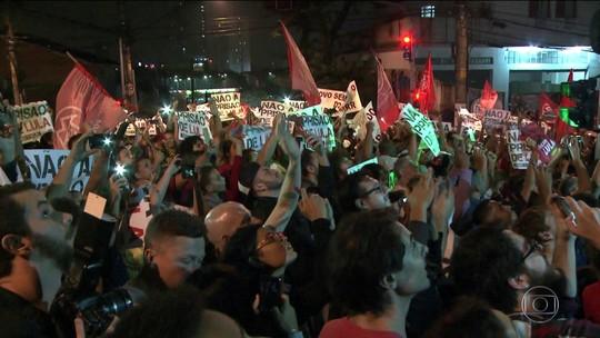Lula passa a noite no Sindicato dos Metalúrgicos no ABC paulista