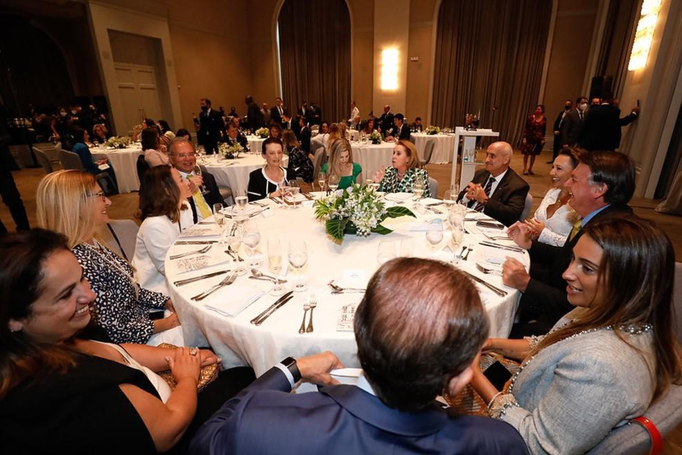 O presidente Bolsonaro durante almoço com empresárias em São Paulo — Foto: Alan Santos/PR