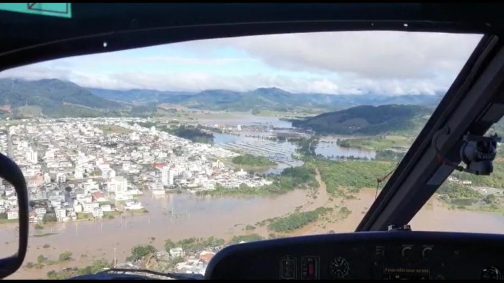 Imagens áreas feitas pelo Corpo de Bombeiros de Santa Catarina mostram cidades de Balneário Camboriú e Camboriú alagadas — Foto: Corpo de Bombeiros/Divulgação