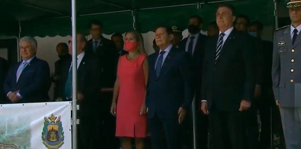 Bolsonaro participa de formatura de cadetes na Academia Militar das Agulhas Negras, em Resende — Foto: Reprodução/EBC
