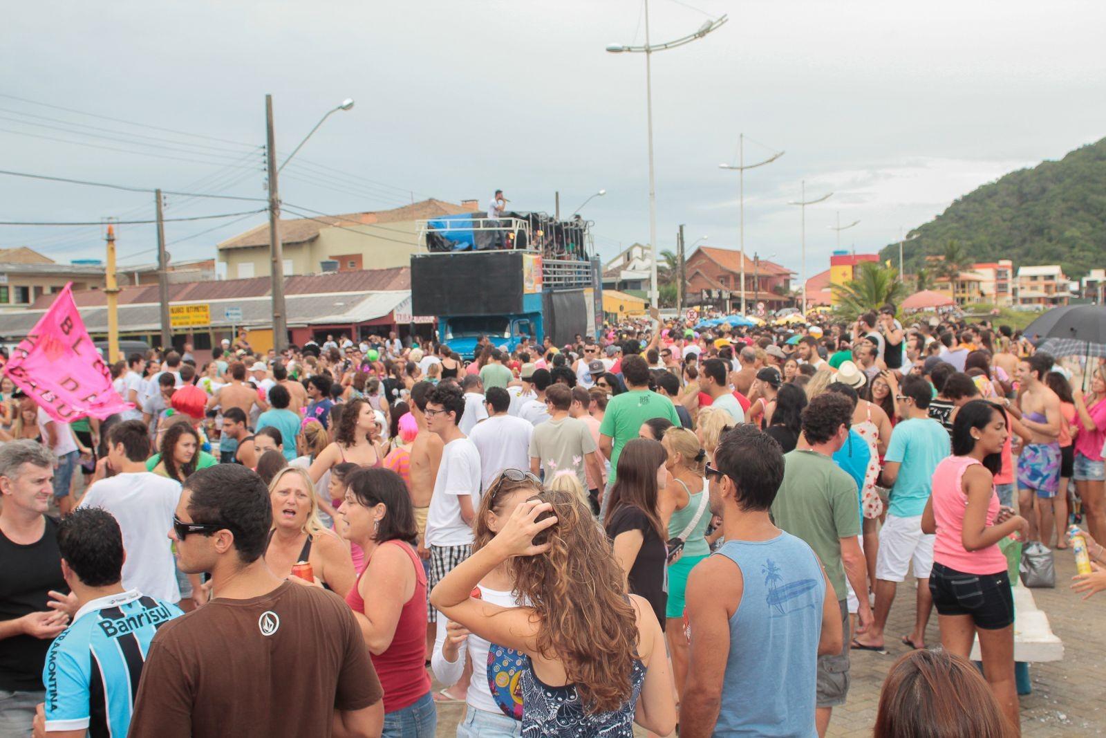 Carnaval em São Francisco do Sul terá folia no Centro Histórico, blocos de rua e trio elétrico