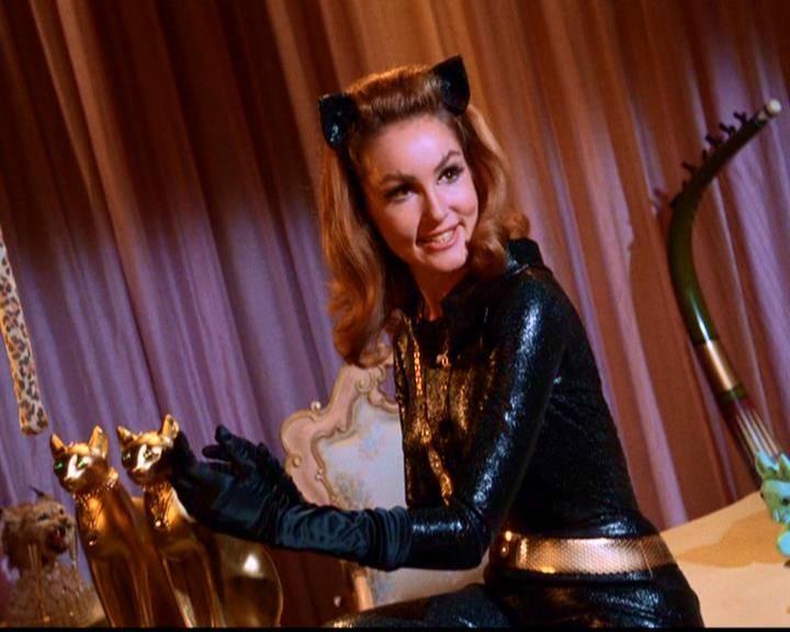 Julie Newmar na série Batman na década de 1960 (Foto: Divulgação)