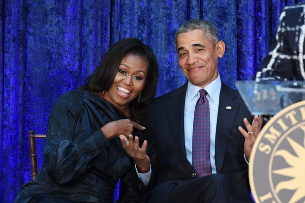 WASHINGTON, DC - FEBRUARY 12: Former First Lady Michelle Obama and former President Barack Obama are seen after their portraits were unveiled at the Smithsonian National Portrait Gallery on Monday February 12, 2018 in Washington, DC. The former President' (Foto: The Washington Post/Getty Images)
