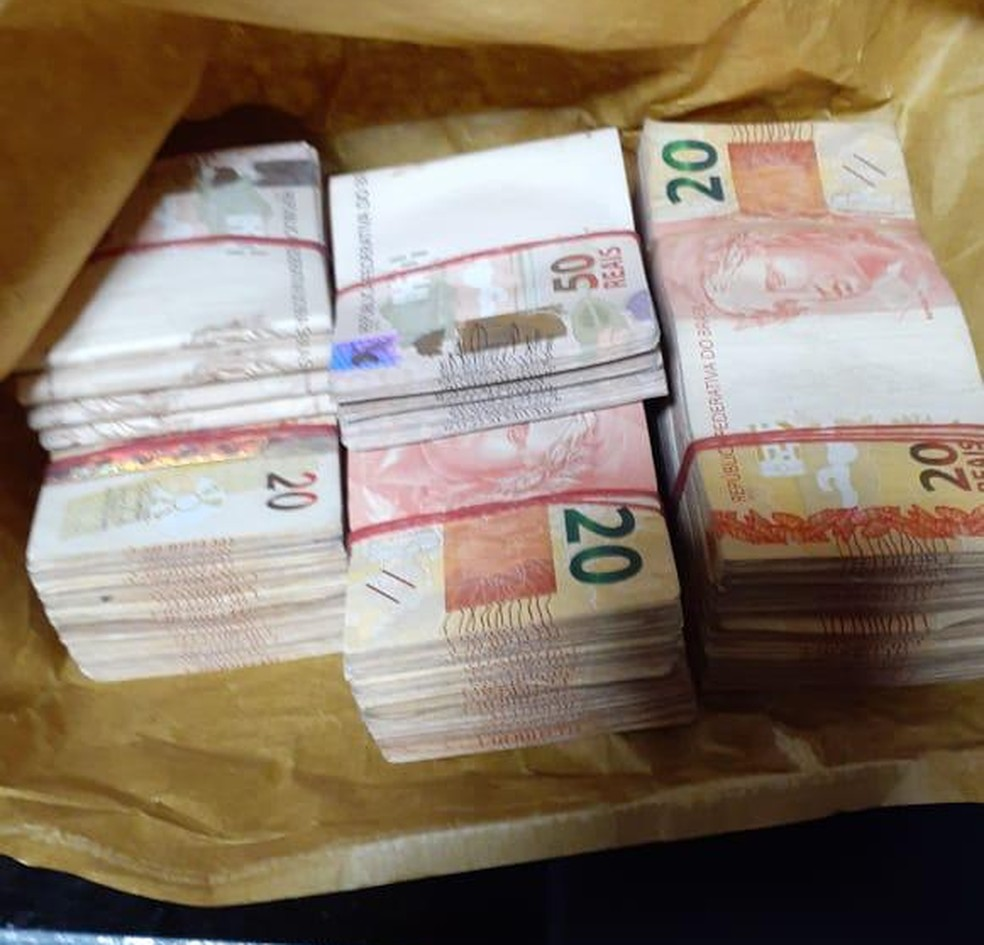 Dinheiro apreendido  Foto: PF/Divulgação