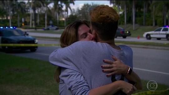 Trump visita vítimas de ataque a escola em hospital na Flórida