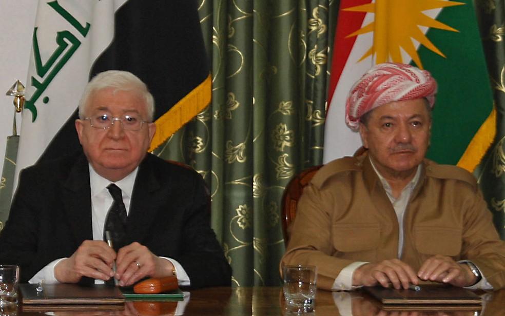 O presidente iraquiano Fuad Masum (esquerda) durante encontro com o presidente do Curdistão iraquiano Massud Barzani em Dokan (Foto: Shwan Mohammed/AFP)