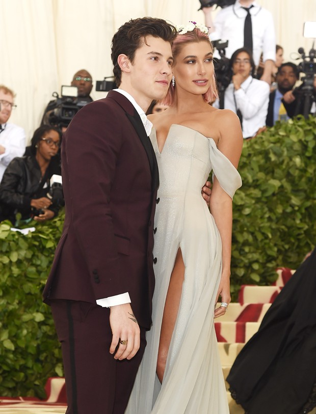 Shawn Mendes e Hailey Baldwin (Foto: Getty Images)