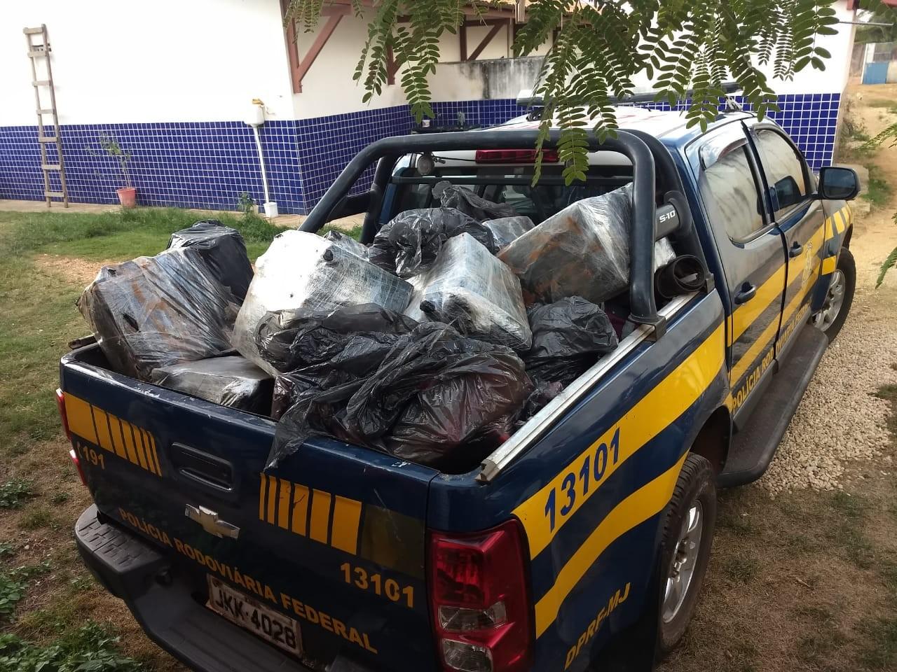 Polícia incinera uma tonelada de maconha apreendida durante operações de Dom Eliseu - Notícias - Plantão Diário