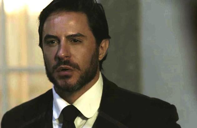 Depois de tentar explodir o trem de Darcy (Thiago Lacerda), Xavier (Ricardo Tozzi) acabará preso (Foto: TV Globo)