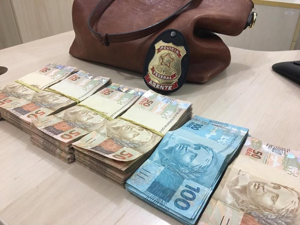 Casal foi preso com mais de R$ 20 mil em dinheiro e polícia suspeita de compra de votos em Rondonópolis — Foto: Polícia Federal de Mato Grosso