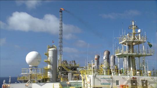 Petrobras decide segurar o preço da gasolina até o valor do petróleo se estabilizar
