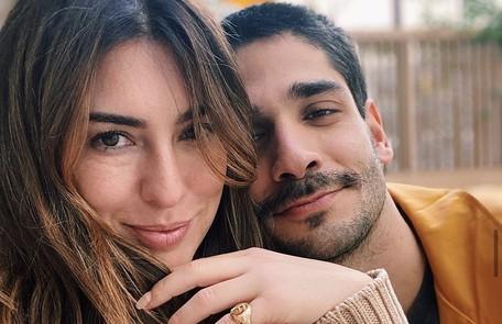 Em janeiro, a atriz Fernanda Paes Leme revelou o namoro com o empresário Victor Sampaio Reprodução