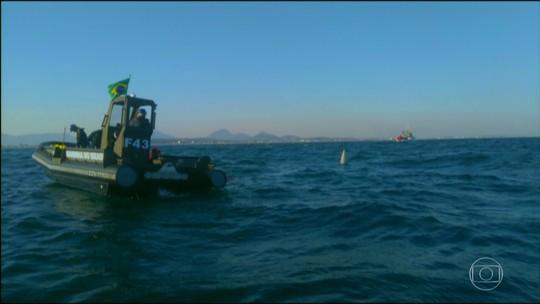 Seguem buscas por piloto de caça da Marinha que ejetou no mar do RJ