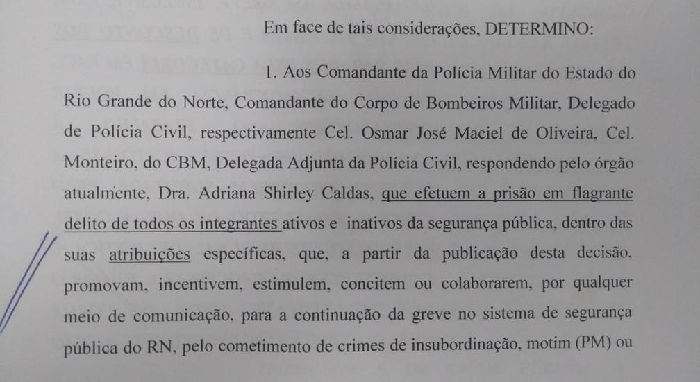 Decisão do desembargador Cláudio Santos determina a prisão de servidores que colaborem para a continuação da greve no sistema de segurança pública do RN (Foto: Reprodução )