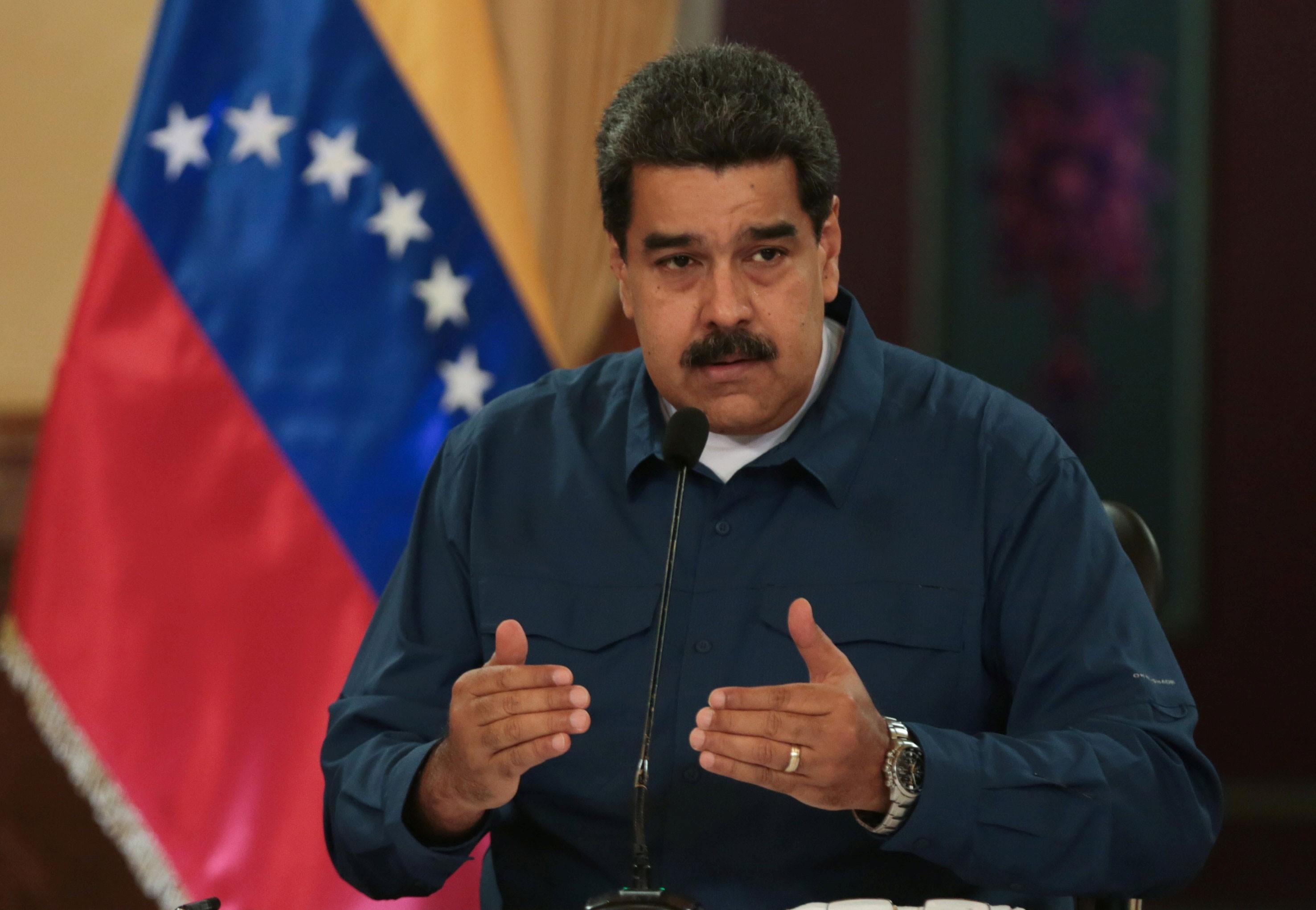 Venezuelanos mergulham em incerteza após decisões econômicas de Maduro, avaliam analistas