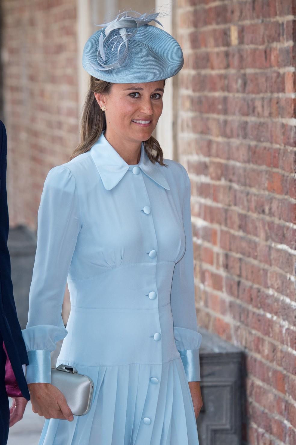 Pippa Middleton chega para o batizado do sobrinho, Louis (Foto: Dominic Lipinski/Pool via REUTERS)