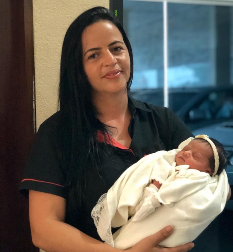Tâmara e a filha de Sara — Foto: Sara Valença/Arquivo Pessoal