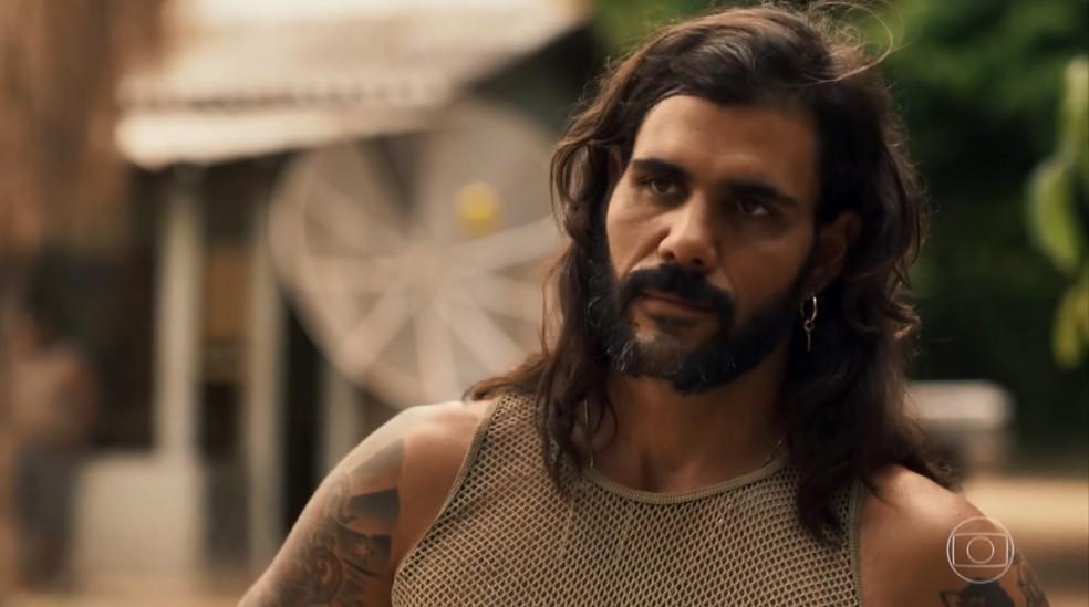 Mariano exige que Caetana lhe conte verdades sobre Sophia (Foto: TV Globo)