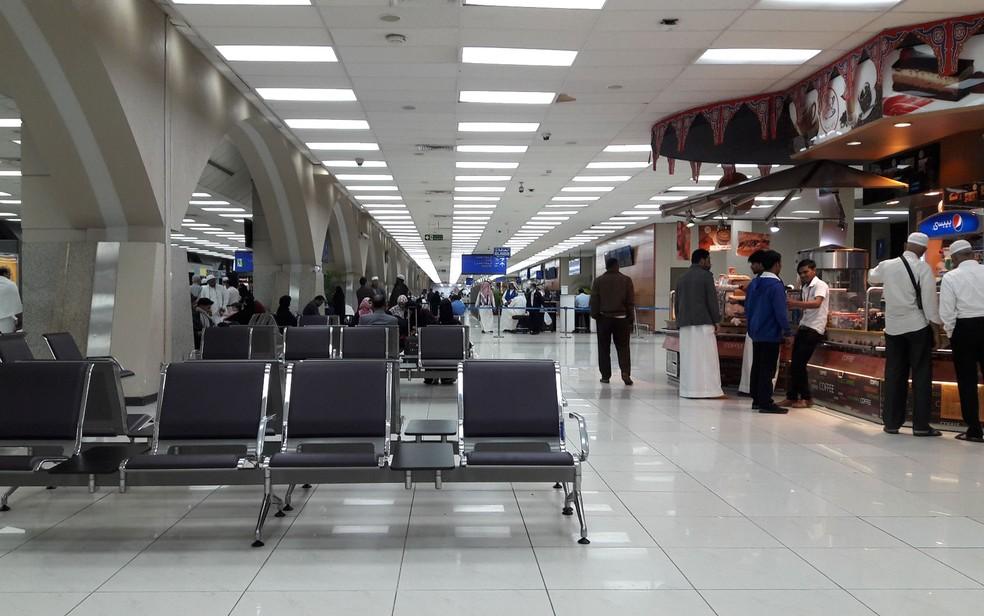 Terminal Norte do Aeroporto Internacional Rei Abdul Aziz, em Jeddah, na Arábia Saudita — Foto: Tahir mq/Wikimedia Commons