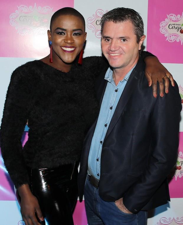 Angélica Ramos e o marido (Foto: Thiago Duran/AgNews)