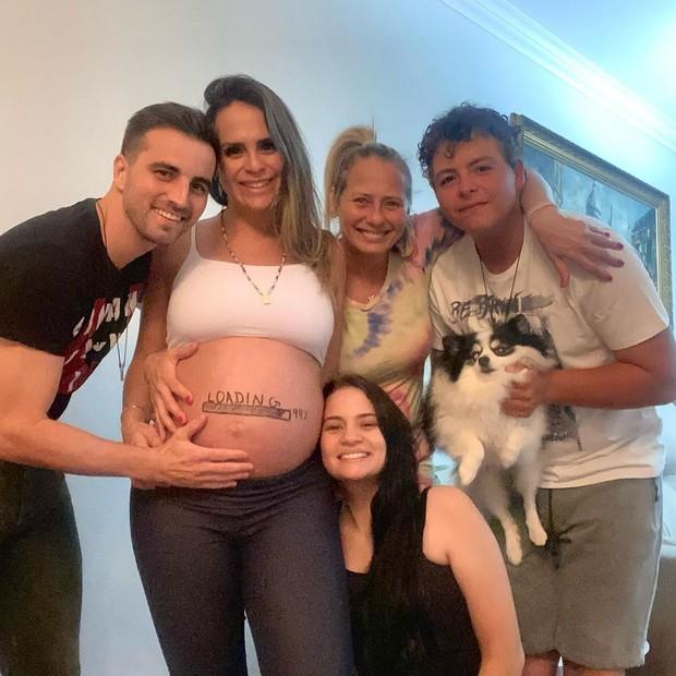 Rafael Longuine, Aline Lima, Ana Julia Castanheira, Dena Lima e Manuel Neto (Foto: Reprodução/Instagram)