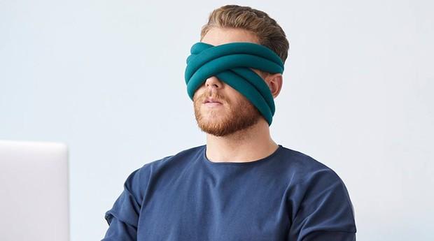 O Loop cobre principalmente os olhos (Foto: Reprodução/Facebook/Ostrich Pillow)