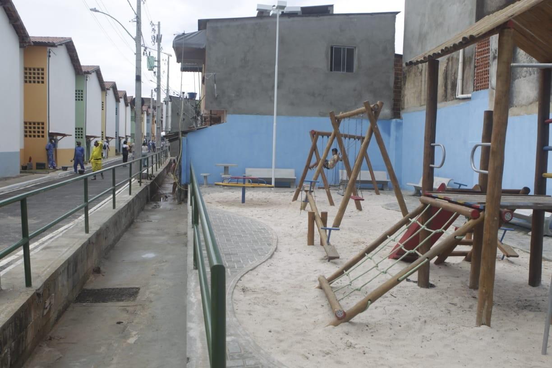 Após obras de intervenção, mais de 100 imóveis são entregues na Baixa da Soronha, em Salvador