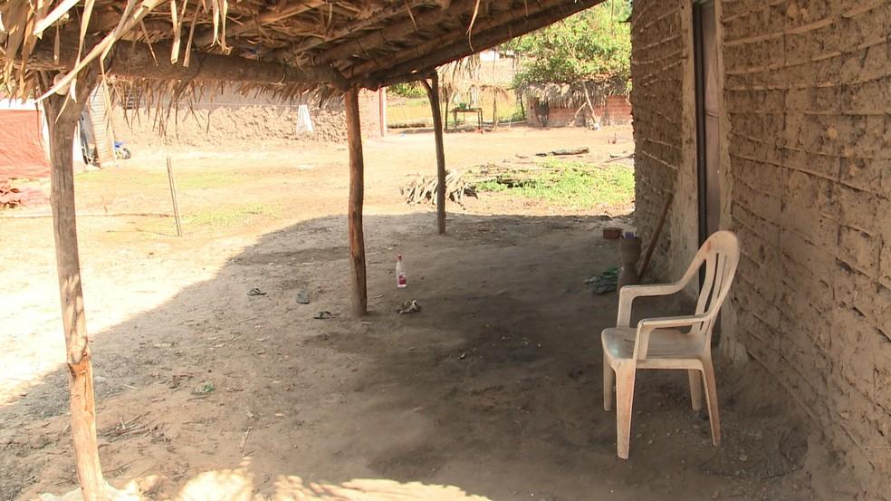 Homens eram da mesma família bebiam juntos na varanda de casa na zona rural de Teresina. (Foto: Reprodução/ TV Clube)