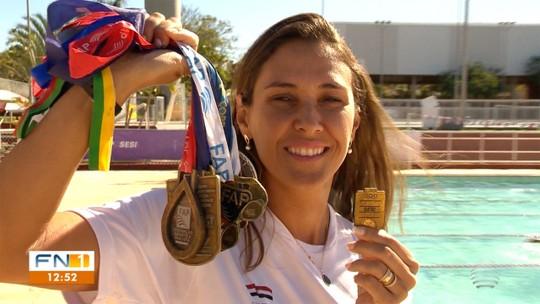 Mestres do Esporte: Vitoriosa como atleta, prudentina almeja colocar nadador na Paralimpíada