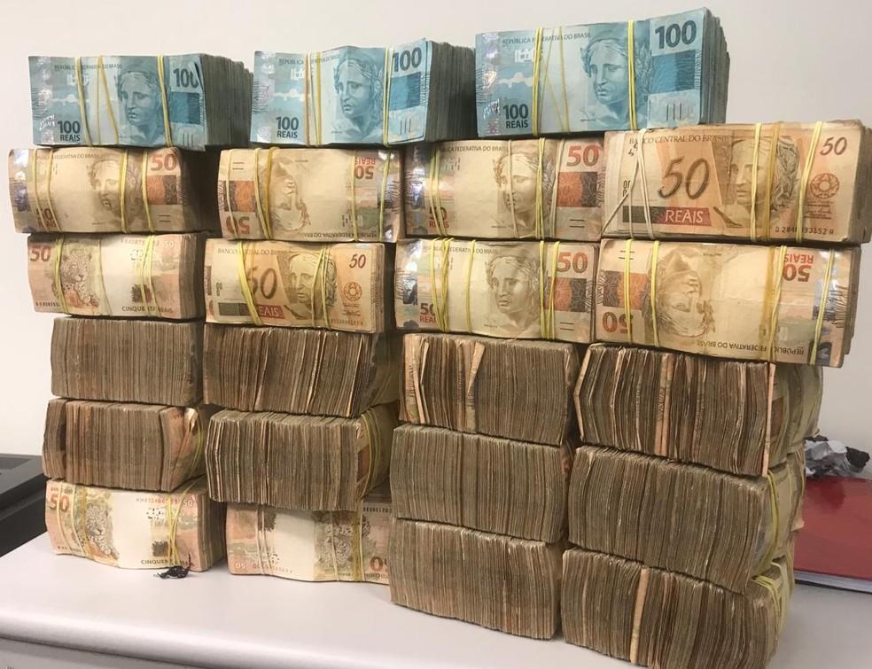 Dinheiro foi levado para agência bancária da cidade — Foto: Divulgação