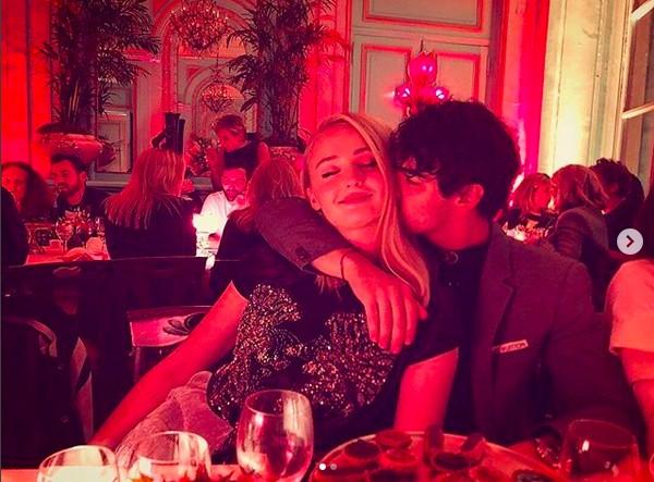 A atriz Sophie Turner e o cantor Joe Jonas (Foto: Instagram)