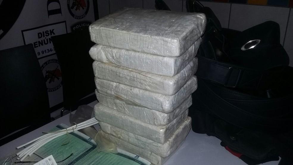 Oito quilos de cocaína foram apreendidos durante ação da Polícia Civil na cidade de Mossoró (Foto: Polícia Civil/Divulgação)