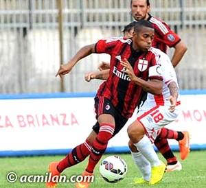 De saída do Milan, Robinho não viaja com o elenco para a pré-temporada