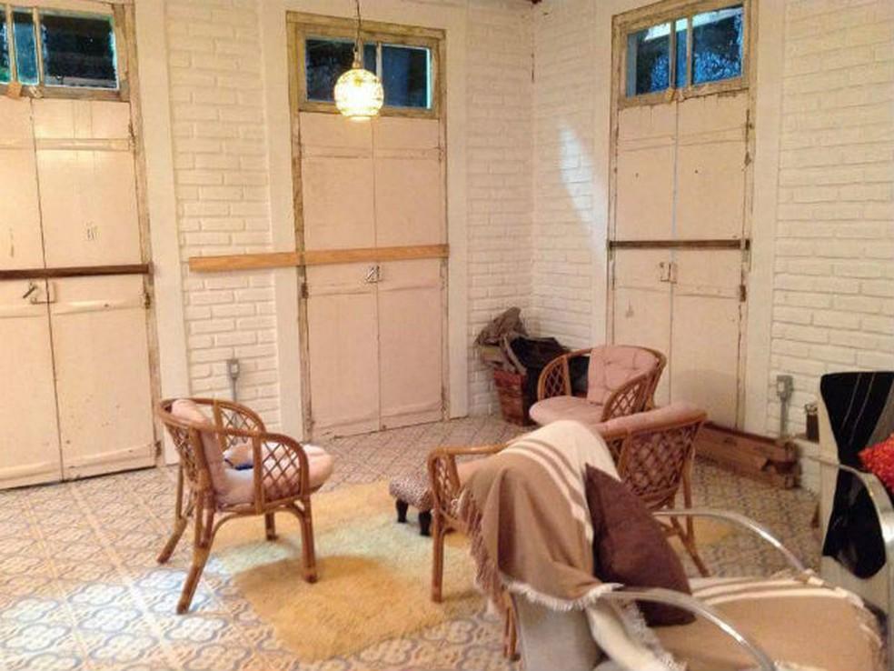 Portas, janelas e até os tijolos foram reaproveitados de uma casa em demolição com mais de 70 anos de história  (Foto: Arquivo pessoal/Benedito Macedo)