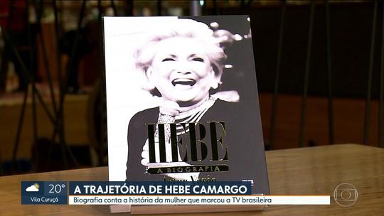 Livro que conta a história da apresentadora Hebe Camargo é lançado em São Paulo