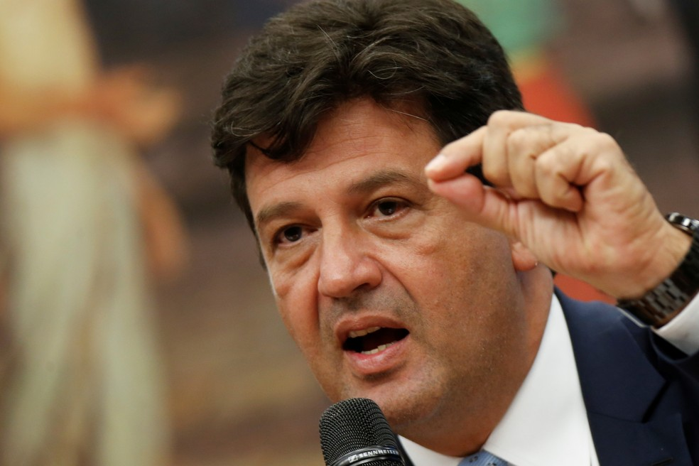 Ministro da Saúde, Luiz Henrique Mandetta, durante comissão na Câmara para falar sobre o coronavírus — Foto: REUTERS/Adriano Machado