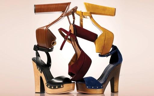 6ac8dffc36 Plataforma 70s  as melhores sandálias para o inverno 2016 - Vogue ...