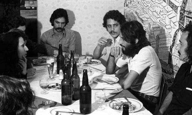 Entrevista com Chico Buarque e membros do MPB-4, em 1974