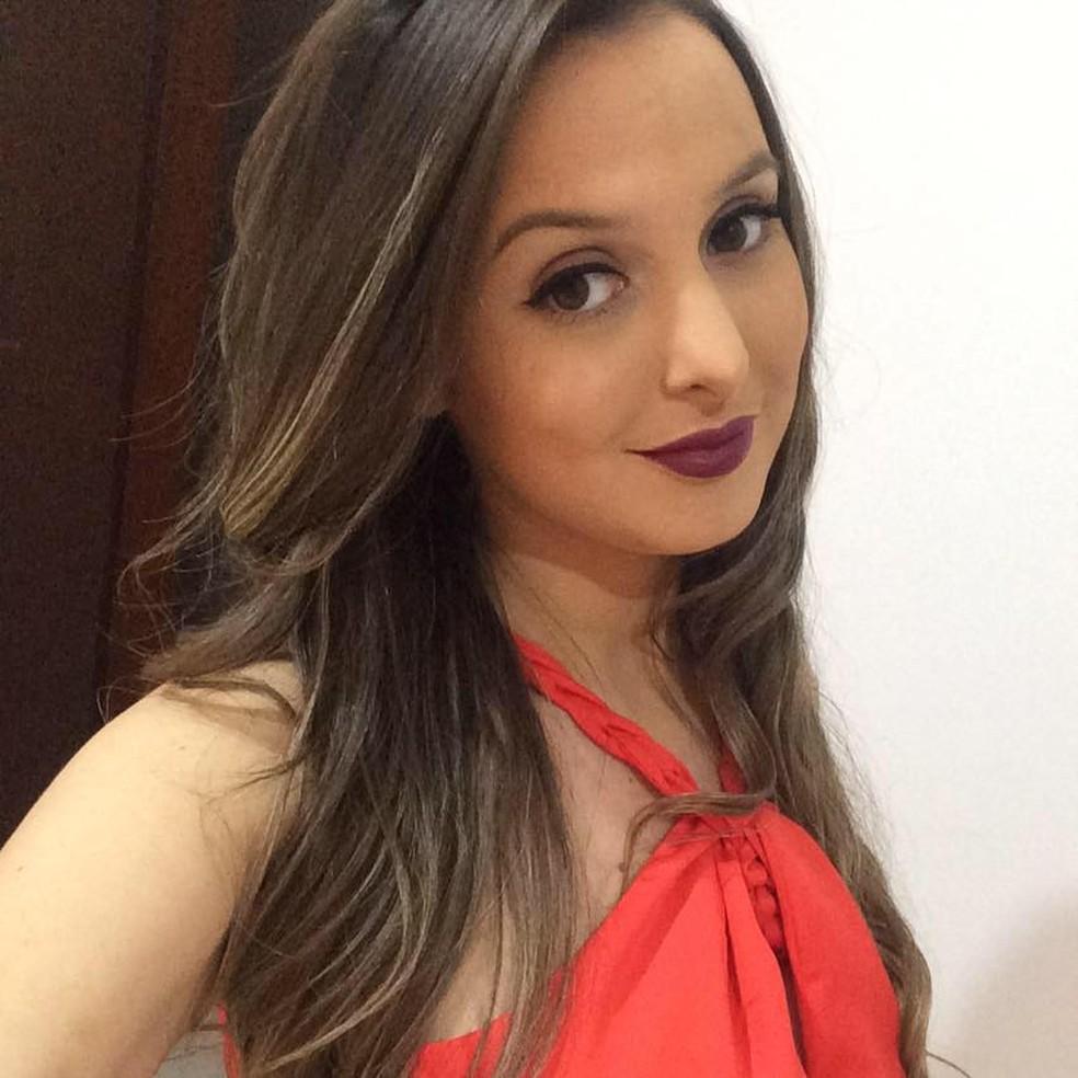 Bruna dos Santos morreu no hospital na manhã desta quarta-feira — Foto: Reprodução/Facebook