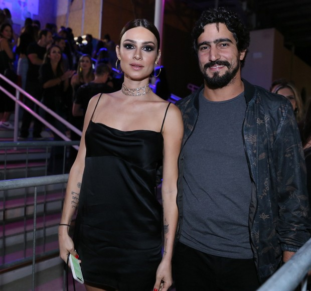 Renato Góes e Thaila Ayala (Foto: Anderson Borde/Agnews)