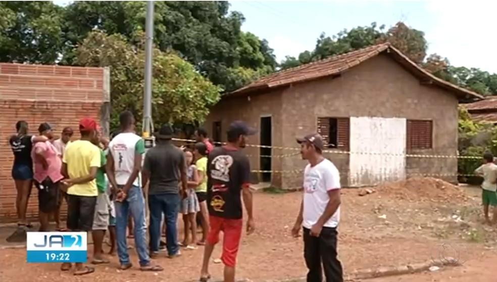 Crime aconteceu em casa no setor Aliança, em Formoso do Araguaia — Foto: Reprodução/TV Anhanguera