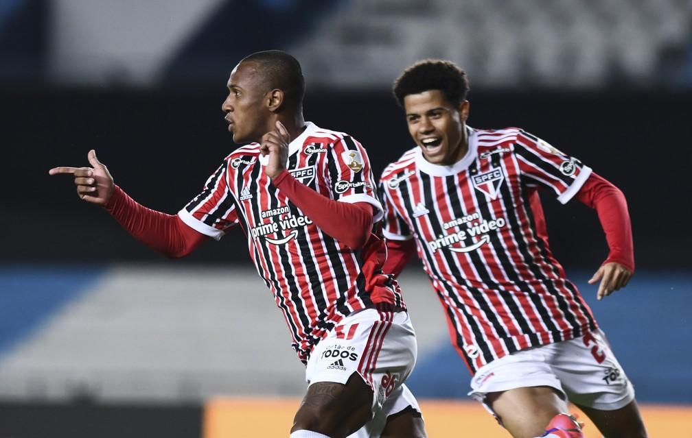 Marquinhos comemora primeiro gol pelo São Paulo — Foto: Staff Images / CONMEBOL
