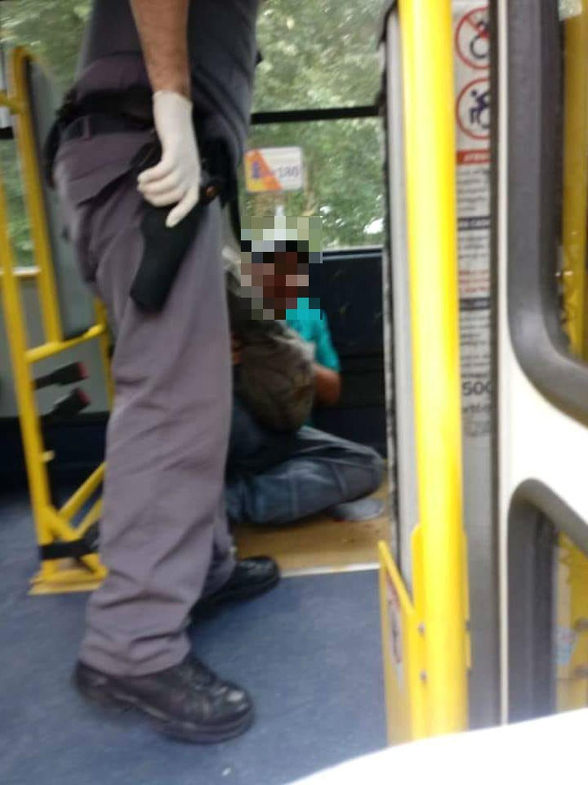 Grávida vítima de tarado em ônibus pediu ajuda por celular: 'Humilhação'
