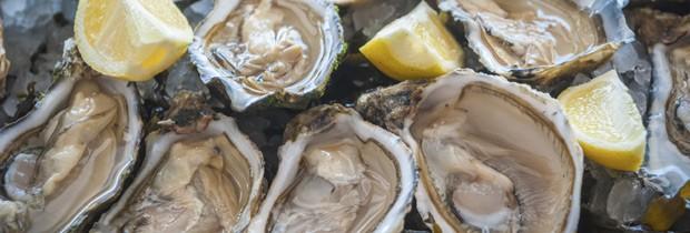 As ostras estão entre os frutos do mar que ajudam a evitar o ressecamento do couro cabeludo (Foto: Think Stock)
