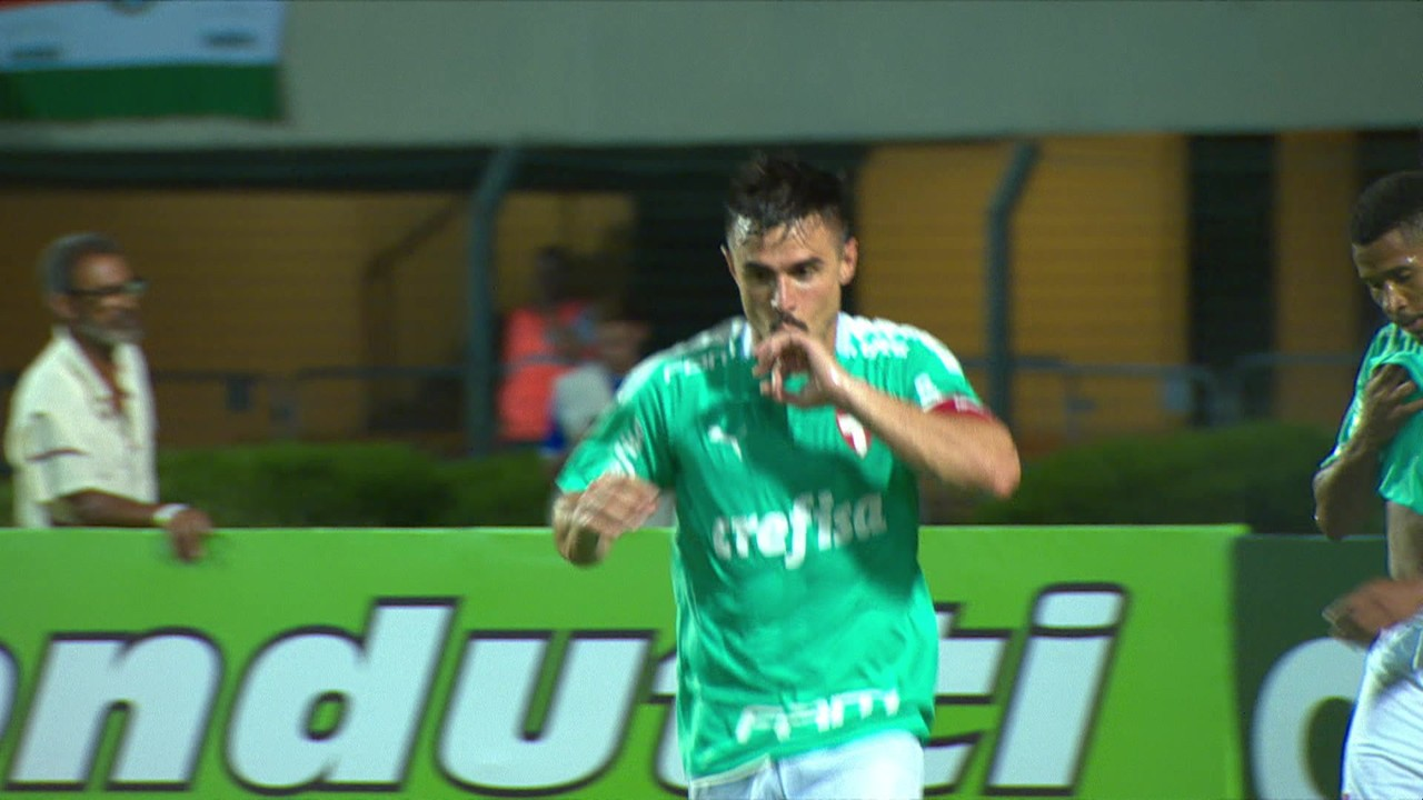 O hat-trick contra o Oeste começou após cruzamento de Marcos Rocha