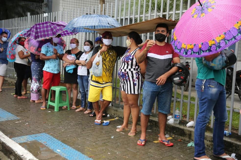 Fortaleza terá uso regulamentado de máscaras, diz Roberto Cláudio — Foto: José Leomar/SVM