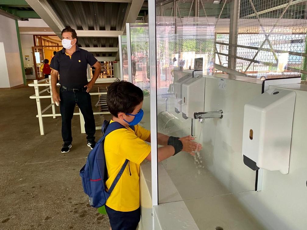 Alunos voltam às aulas no colégio particular Santa Cruz, em São Paulo — Foto: Santa Cruz/divulgação