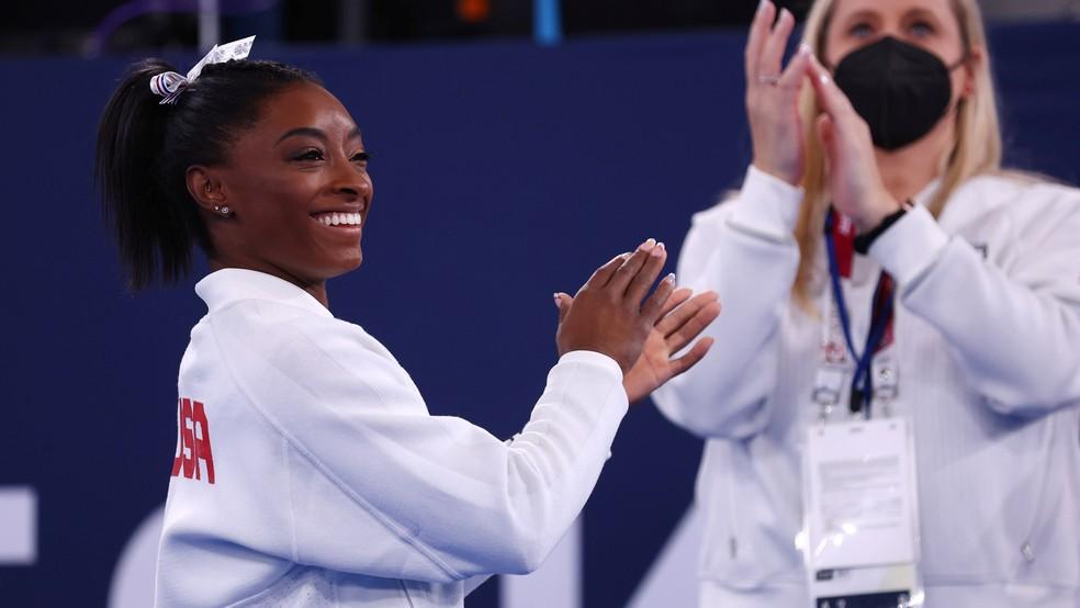 Simone Biles durante a prova por equipes da ginástica artística nas Olimpíadas de Tóquio 2020 — Foto: REUTERS/Mike Blake