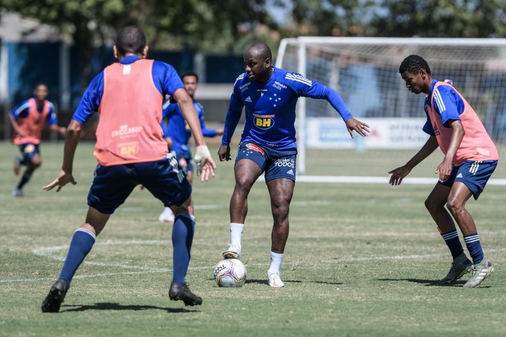 Sassá é reintegrado ao elenco do Cruzeiro — Foto: Gustavo Aleixo/Cruzeiro