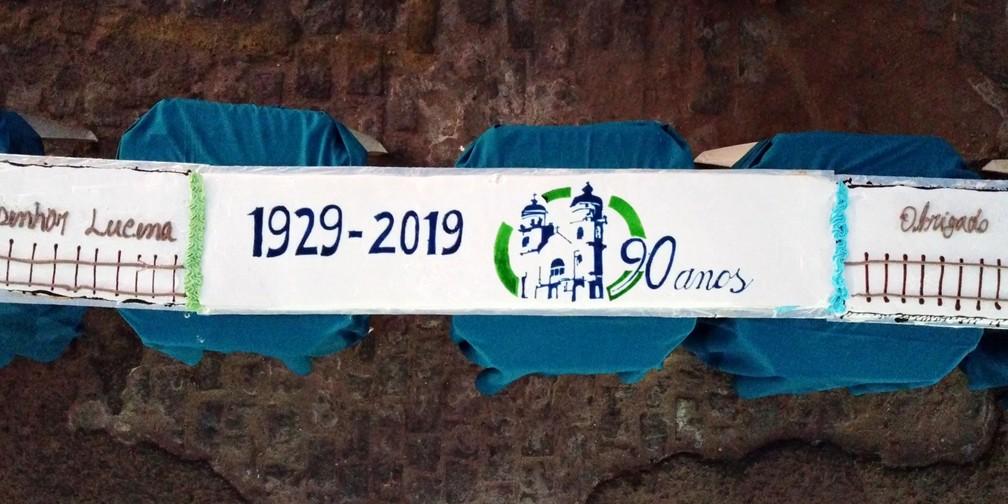 Bolo de 90 metros foi preparado para comemorar aniversário da paróquia de João Câmara — Foto: Rafael Fernandes/Inter TV Cabugi